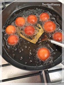Frying Gulab Jamun on medium heat | Your Food Fantasy