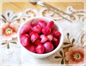 Pickled Onion - Sirke Wali Pyaz Recipe | Your Food Fantasy