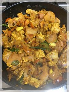 Dry Chicken Curry Recipe - South Indian Style | Your Food Fantasy