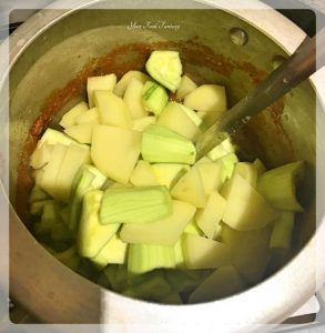 Indian Curry Recipe of Pointed Gourd   Your Food Fantasy