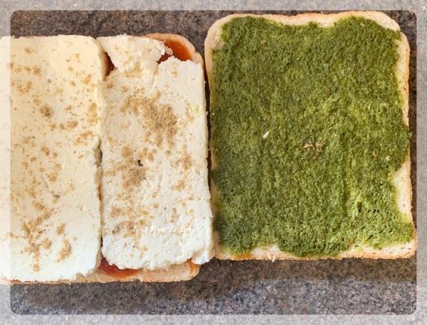 Adding Paneer layer in the sandwich for paneer sandwich pakora